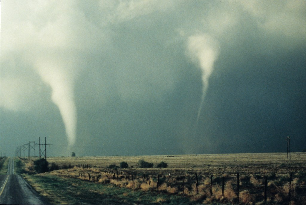 large and dry hail can often indicate a tornado conditions are present