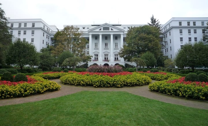 North entrance of Greenbrier Hotel