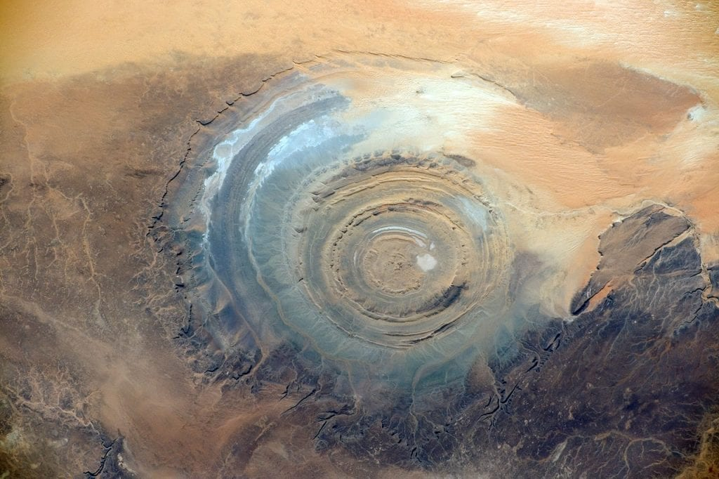 a giant set of circles in the middle of the desert