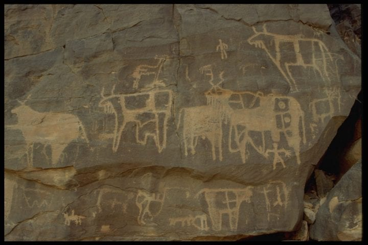 (Original Caption) The site at El Ghallouyia where there are rock paintings that are about 2,000 years old. (Photo by patrick chapuis/Sygma via Getty Images)