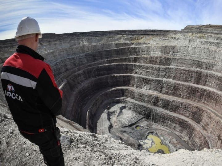 Diamond mine, Russia, East Siberia, Kimberlite pipe
