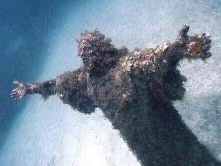 christ underwater, christ of the abyss, creepy