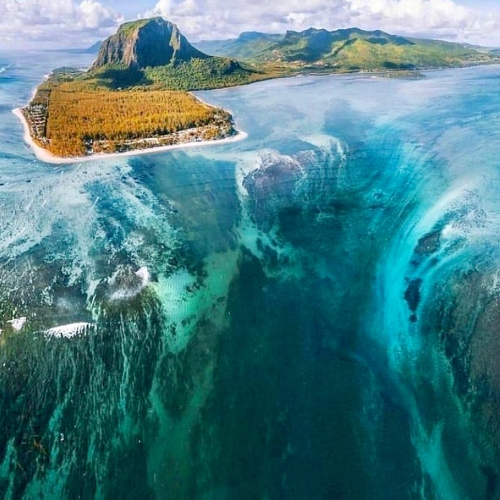 underwater waterfall, island, deep